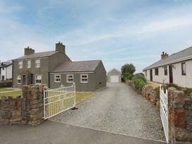 Glasfryn - Anglesey - 1073294 - thumbnail photo 2