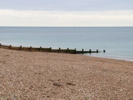 46A Sea Front - South Coast England - 1073325 - thumbnail photo 22
