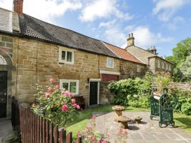 Chapel Cottage - North Yorkshire (incl. Whitby) - 1073539 - thumbnail photo 1