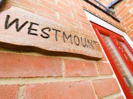 Westmount - Isle of Wight & Hampshire - 1073801 - thumbnail photo 3