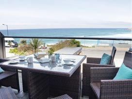 Apartment 3 Fistral Beach - Cornwall - 1073836 - thumbnail photo 1