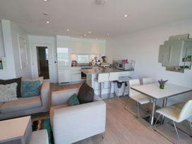 Apartment 3 Fistral Beach - Cornwall - 1073836 - thumbnail photo 11