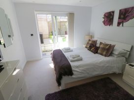 Apartment 3 Fistral Beach - Cornwall - 1073836 - thumbnail photo 15