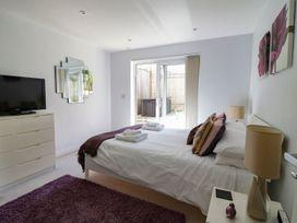 Apartment 3 Fistral Beach - Cornwall - 1073836 - thumbnail photo 16