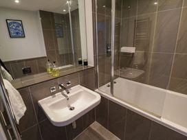 Apartment 3 Fistral Beach - Cornwall - 1073836 - thumbnail photo 18