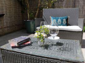 Apartment 3 Fistral Beach - Cornwall - 1073836 - thumbnail photo 23