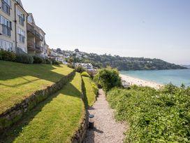 Waves - Cornwall - 1073858 - thumbnail photo 26