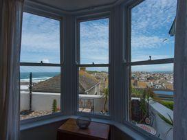 Heron - Cornwall - 1073954 - thumbnail photo 6