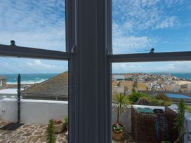 Heron - Cornwall - 1073954 - thumbnail photo 7