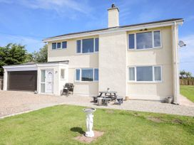 Tywod Pell - Anglesey - 1074077 - thumbnail photo 1