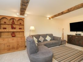 Chequers Barn - Somerset & Wiltshire - 1074156 - thumbnail photo 3