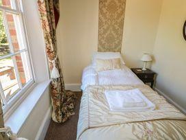Gainsford Hall - Lincolnshire - 1074513 - thumbnail photo 64