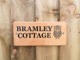 Bramley Cottage - Somerset & Wiltshire - 1074556 - thumbnail photo 4