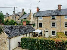 Buttercup Cottage - Cotswolds - 1074608 - thumbnail photo 1