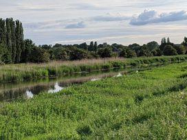 Snuffling Hedgehog - Lincolnshire - 1074739 - thumbnail photo 29