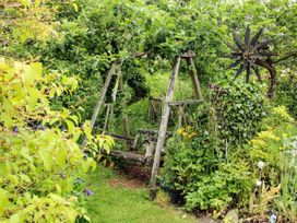 Milford Tree Tops - Shropshire - 1074866 - thumbnail photo 16