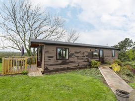 Holly Lodge - Whitby & North Yorkshire - 1075017 - thumbnail photo 1