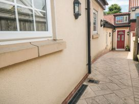 Sutton Cottage - Whitby & North Yorkshire - 1075059 - thumbnail photo 3