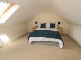 Sutton Cottage - Whitby & North Yorkshire - 1075059 - thumbnail photo 9