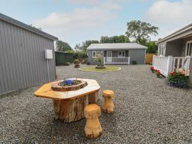 Caldey Lodge (Bier Wood Lodges) - South Wales - 1075132 - thumbnail photo 24