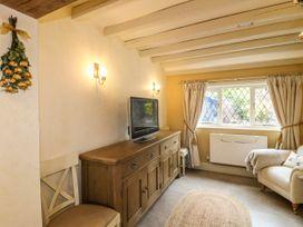 The White Cottage - Peak District - 1075229 - thumbnail photo 10