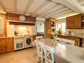 The White Cottage - Peak District - 1075229 - thumbnail photo 12