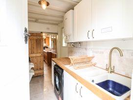 The White Cottage - Peak District - 1075229 - thumbnail photo 17