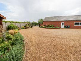 Oak Lodge - Lincolnshire - 1075256 - thumbnail photo 26