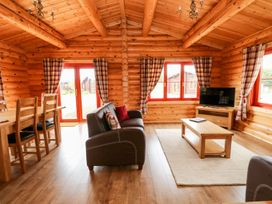 Holly Lodge - Lincolnshire - 1075257 - thumbnail photo 3