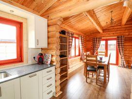 Pine Lodge - Lincolnshire - 1075258 - thumbnail photo 10