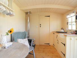 The Shepherds Hut at Marley - Kent & Sussex - 1075279 - thumbnail photo 6