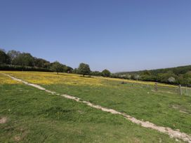 The Shepherds Hut at Marley - Kent & Sussex - 1075279 - thumbnail photo 12