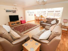 46 Oakridge Acres - South Wales - 1075405 - thumbnail photo 3