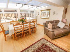 46 Oakridge Acres - South Wales - 1075405 - thumbnail photo 5