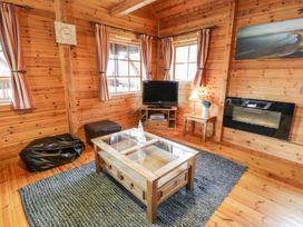 Sun View Lodge - Anglesey - 1075657 - thumbnail photo 5
