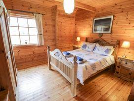 Sun View Lodge - Anglesey - 1075657 - thumbnail photo 9