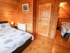 Sun View Lodge - Anglesey - 1075657 - thumbnail photo 18