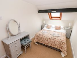 Stable Cottage - South Wales - 1075860 - thumbnail photo 12