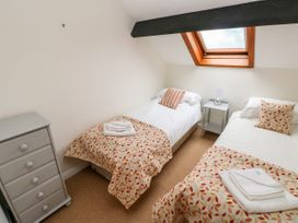 Stable Cottage - South Wales - 1075860 - thumbnail photo 15