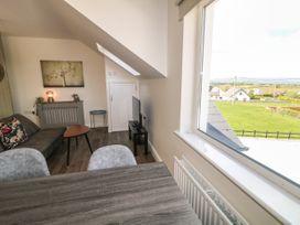 Inish Way Apartment 3 - County Donegal - 1076259 - thumbnail photo 4