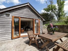 Loose Farm Lodge - Kent & Sussex - 1076275 - thumbnail photo 17