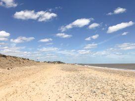 Blue Jeans - Suffolk & Essex - 1076298 - thumbnail photo 27