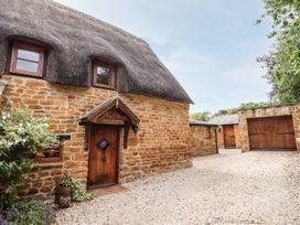 April Cottage - Cotswolds - 1076299 - thumbnail photo 1