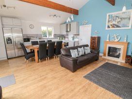 Sea View Lodge - Northumberland - 1076489 - thumbnail photo 25