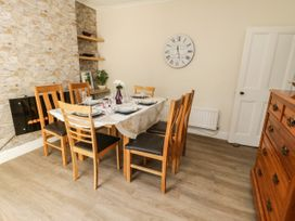 5 Seymour Hill Terrace - North Yorkshire (incl. Whitby) - 1076745 - thumbnail photo 6