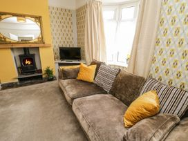 5 Seymour Hill Terrace - North Yorkshire (incl. Whitby) - 1076745 - thumbnail photo 10