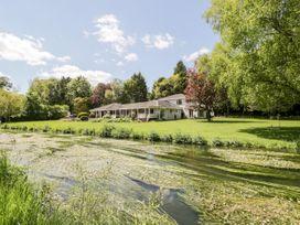 The River House Avon Valley Stonehenge - Somerset & Wiltshire - 1076792 - thumbnail photo 1
