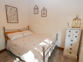 No. 77- Honey Bee Lodge - North Yorkshire (incl. Whitby) - 1076918 - thumbnail photo 12