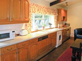 Royal Oak Farmhouse - North Wales - 1077 - thumbnail photo 4
