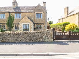 Well Cottage - Cotswolds - 1077026 - thumbnail photo 1